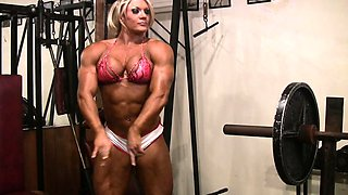 Lisa Cross Gets Dirty in the Gym