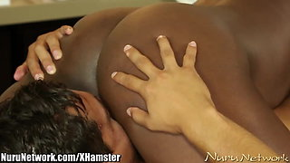 NuruNetwork Hot Ebony Makes Guy Cum During Massage