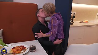 GRANNY FUCKING AFTER A MEAL