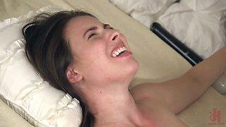Flexible naked slut Casey Calvert deserves some brutal missionary polishing