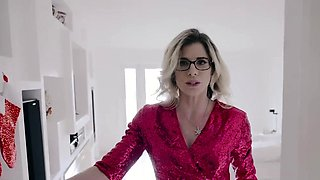 Stepson kissing his hot stepmoms milf clit in the kitchen