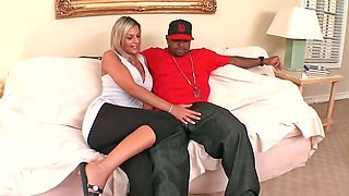 Randy milf Klarisa Leone sucks a big black monster cock