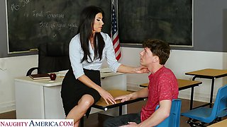 Professor India Summer practices being a porn star with her student - myfirstsexteacher