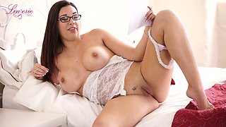 Alone four eyed English MILF Sophie Parker flashes her sexy boobies