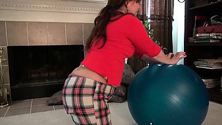 American soccer mom Jewels works out