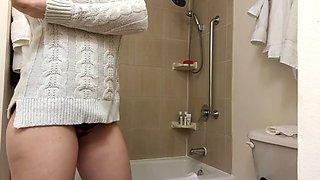 quick ploop after shower, bathroom hidden cam