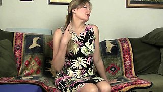 Nylon pantyhose will get mom's juices flowing