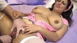 Mellie D sucks and fucks the doctor