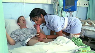 Jasmine Webb – fake nurse gives blowjob