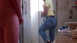 Hi I'm jackson flashing the maid