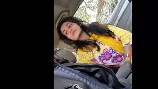 Pakistani girl gives blowjob in car