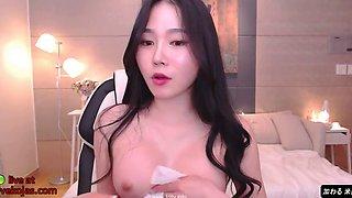 Sensual Korean camgirl show in tights