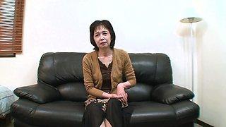 Amateur video of Japanese mature Michiyo Fukumoto having sex