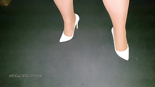 ON Cum on heels just posing