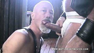 Bear Mac Brody Fucks His Skinny Leather Friend
