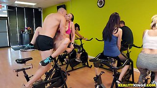 Rachel Starr & Sean Lawless in Sneaky Spinning - SneakySex