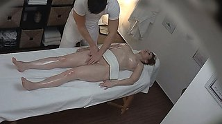 Sexy Massage Turns into Hardcore MILF Fuck with Orgasm