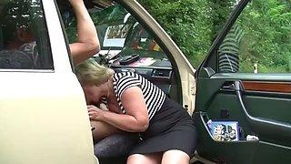GRANNY FUCKING IN CAR