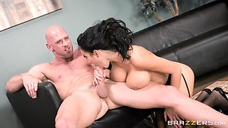 Stunning babe Victoria June makes a man's fat dick rock hard