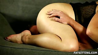 Exciting femdom with facesitting