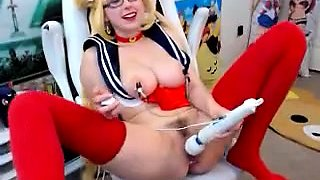 Nerdy blonde camgirl with big tits pleases her needy holes